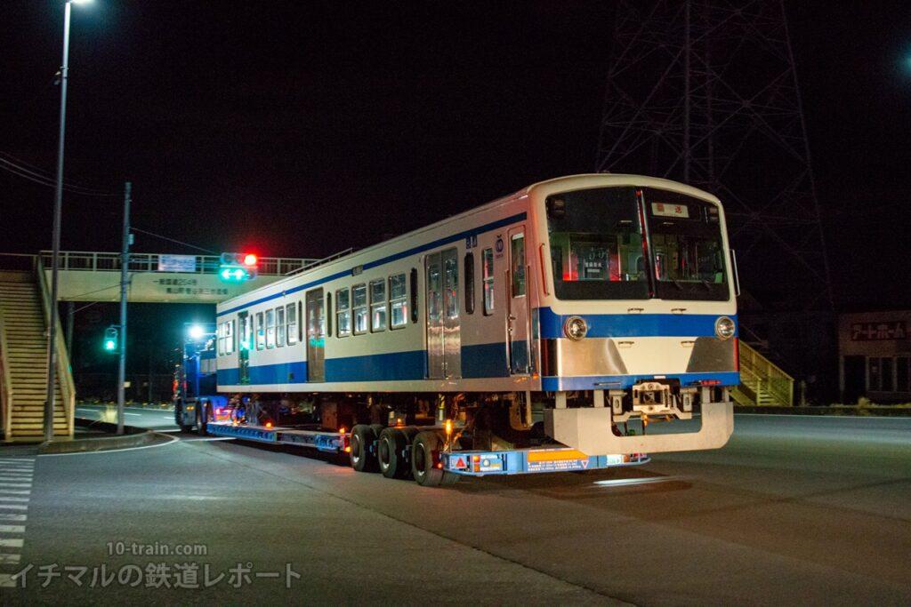 嵐山付近を走行する新101系1261F「クハ1262号車」陸送