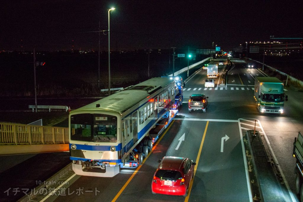 川島付近を走行する新101系1261F「クハ1262号車」陸送